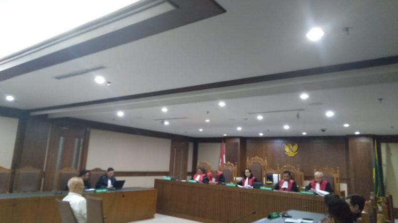 Fredy Lumban Tobing mendengarkan pembacaan vonis di Pengadilan Tipikor Jakarta, Kamis (12/12/2019) dok Keadlian/AG