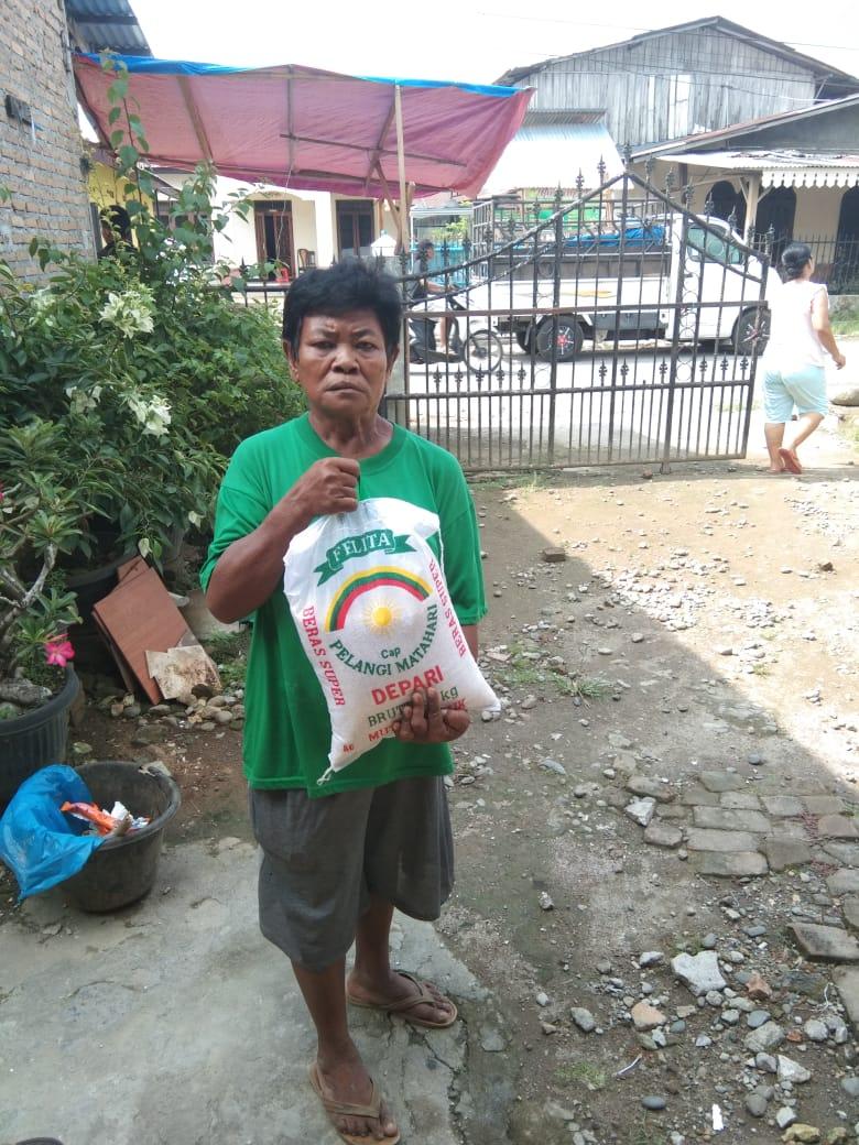 Mantan Kapolda Sumut Beri Bantuan kepada 450 Warga Medan 4