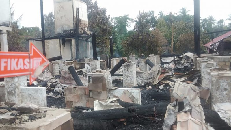 Rumah Pemilik Pesantren Ludes Terbakar
