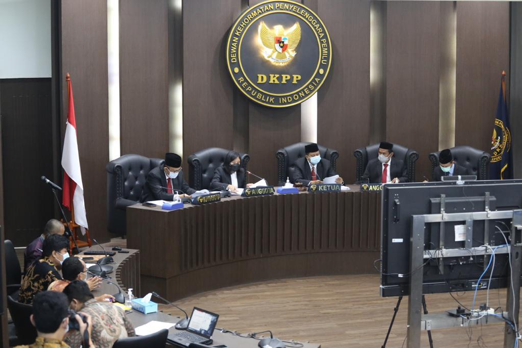 Arief Budiman Diberhentikan Sebagai Ketua KPU