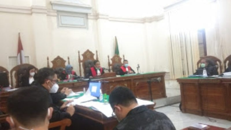Pasaran Suap 14 Mantan Anggota Dewan, Gatot Pujo Nugroho Bersaksi Pinjam Rp5 Miliar Kepada H Anif