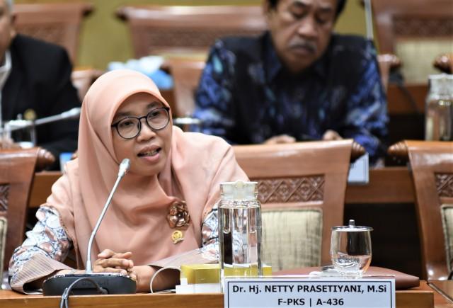 Terkait Covid-19, Komisi IX DPR: Benahi Regulasi di Pintu Masuk Indonesia