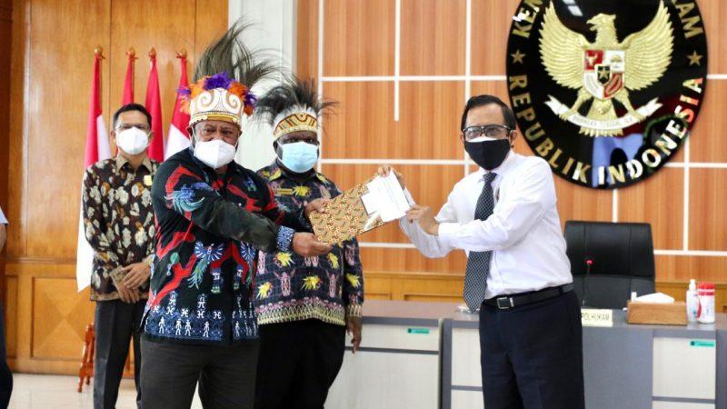 Mahfud MD Tegaskan Terus Perkuat Bangun Papua