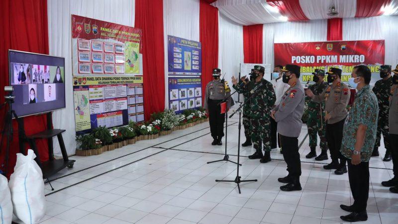 Kapolri dan Panglima TNI Semangati Warga yang Isoman