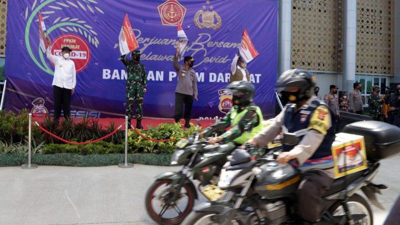 Gubernur Banten Bersama Panglima TNI dan Kapolri Lepas Bantuan PPKM Darurat Serta Akselerasi Vaksinasi