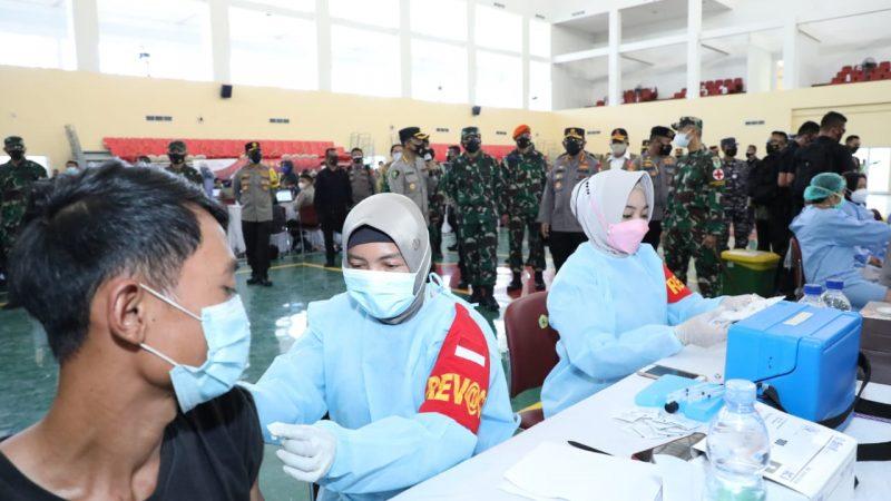 Percepat Vaksinasi di Banten, TNI-Polri Bantu Tenaga Kesehatan