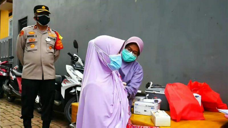 Vaksinasi Jemput Bola untuk Lansia Ala Polsek Jagakarsa di Lenteng Agung