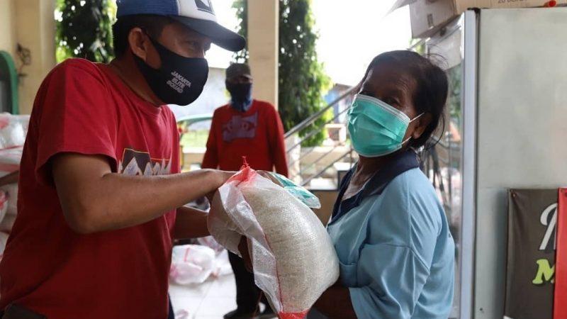 Pemkot Jakut: Warga Belum Vaksin Tetap Dapat Bansos