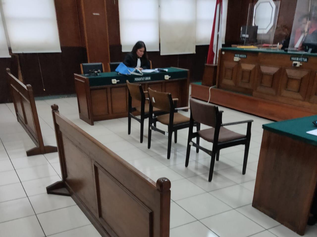 Polisi Tipu Polisi, AKBP dan Isteri Dituntut 4 Tahun