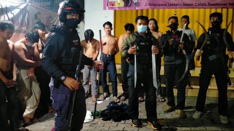 Bawa Sajam, 12 Pemuda Diringkus Tim Jaguar Polres Metro Depok